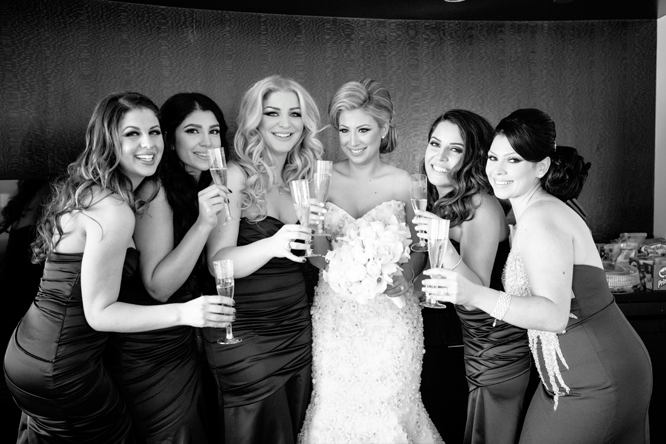 Anashae and her bridal party